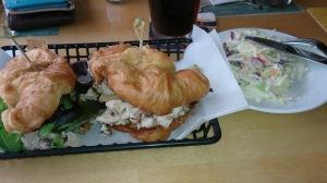 Pecan Chicken sandwhich, em Kiki's sandbar