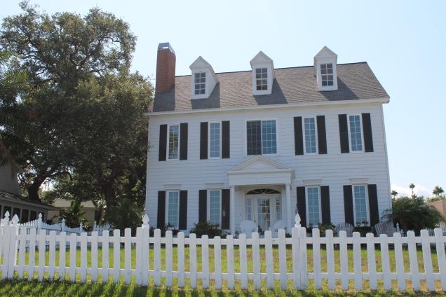 ou casas no estilo colonial como esta