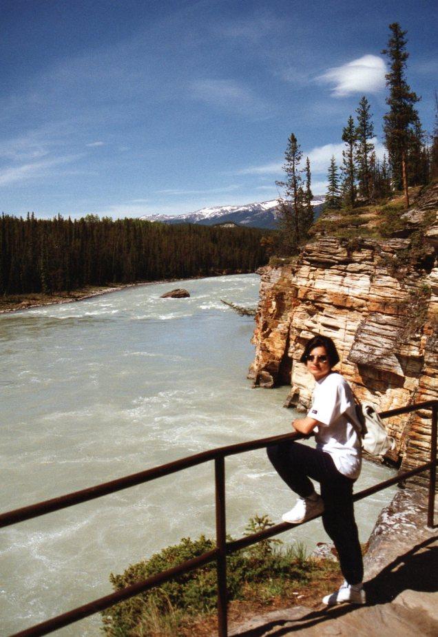 Rio Athabasca e eu magrinha...
