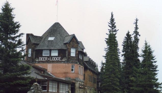 Ficamos em grande estilo, no Deer Lodge, perto do lago Louise