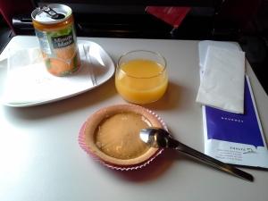 O lanche da primeira classe do trecho Amsterdam-Paris (3 horas de viagem)
