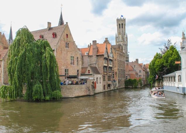 Bruges barco canais