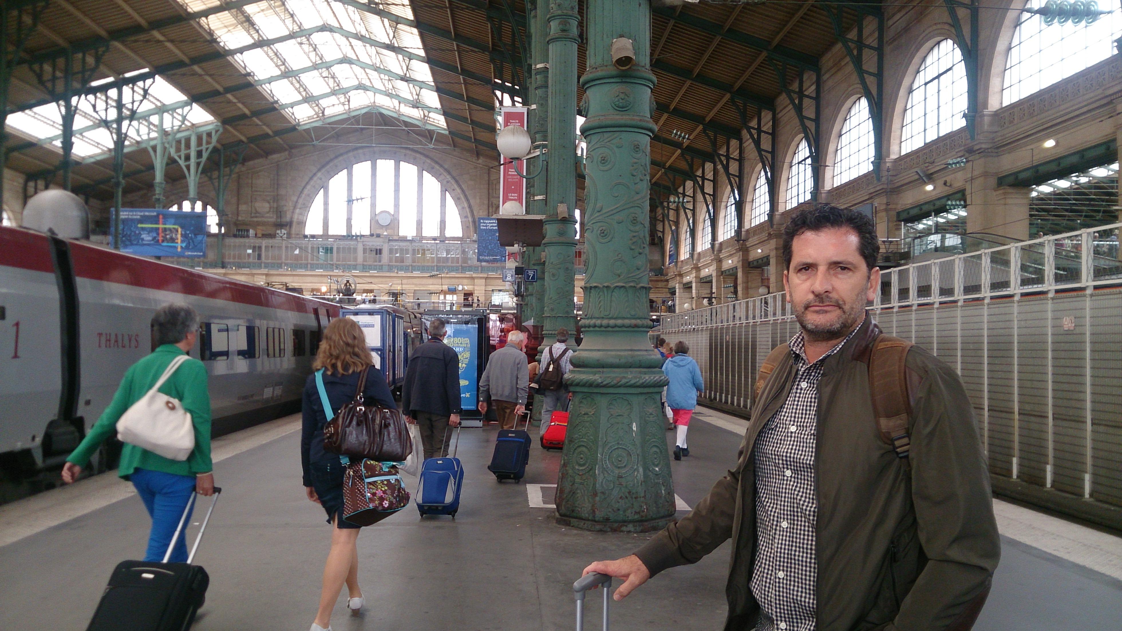 como é viajar de trem na França