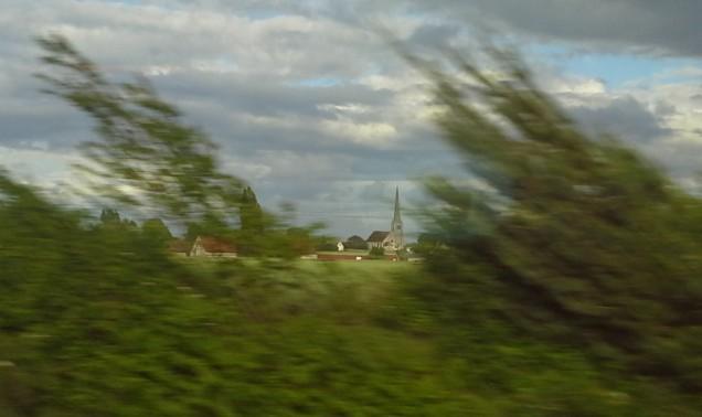 Paisagem borrada pelo TGV