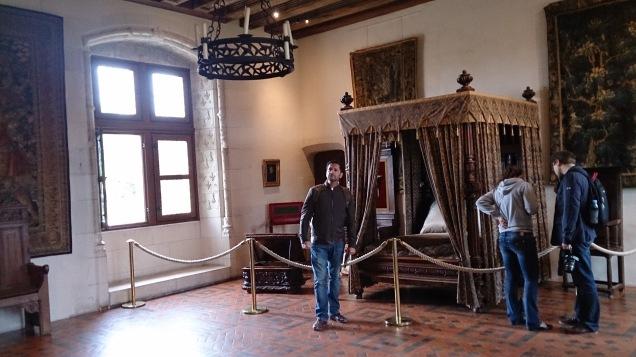 Não acredito! Estive no quarto de Henrique II, em Amboise!