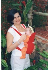 O Canguru deixa as mãos da mãe livres e o bebê pertinho