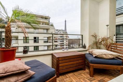 chato ficar assim, com vista pra Torre. Apartamento disponível no Airbnb