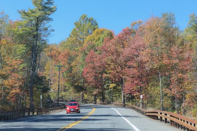 A estrada para o Parque Estadual Minnewaska