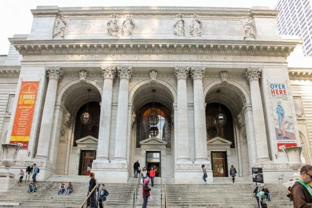 A fachada da Biblioteca de Nova Iorque