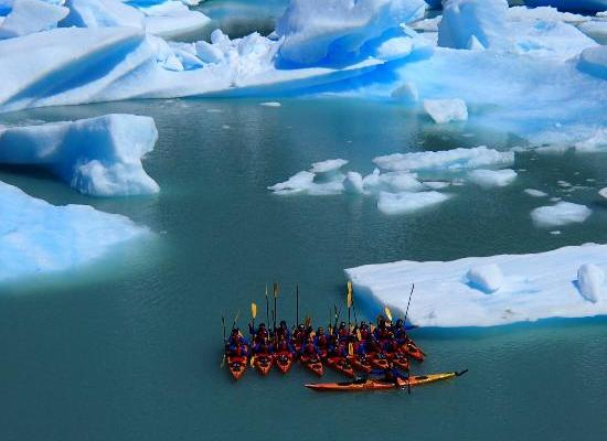 De caiaque entre icebergs!