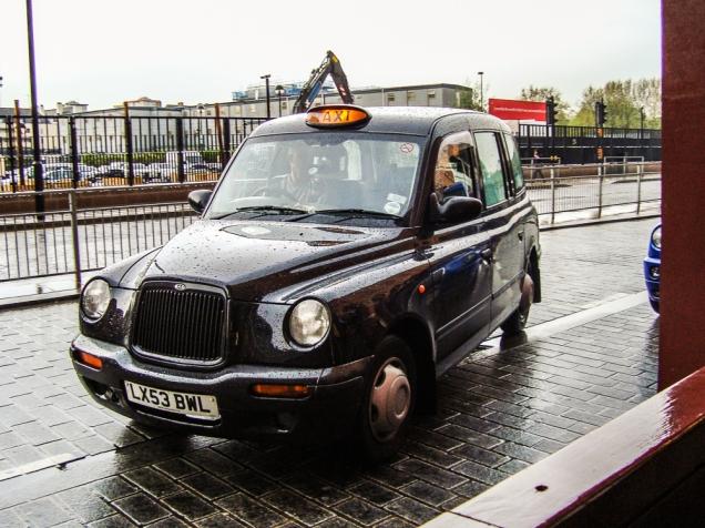 O clássico taxi londrino em St Pancras