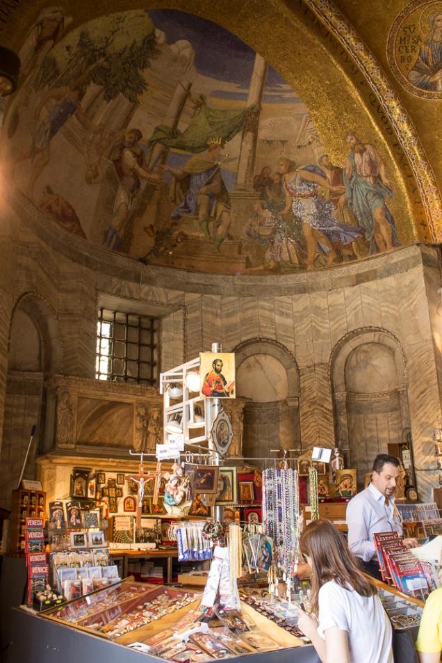 A loja de suvenires do Museu da Basílica