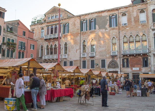 feira de antiguidade Veneza