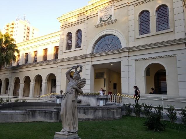 A fachada da antiga Hospedaria, hoje o museu