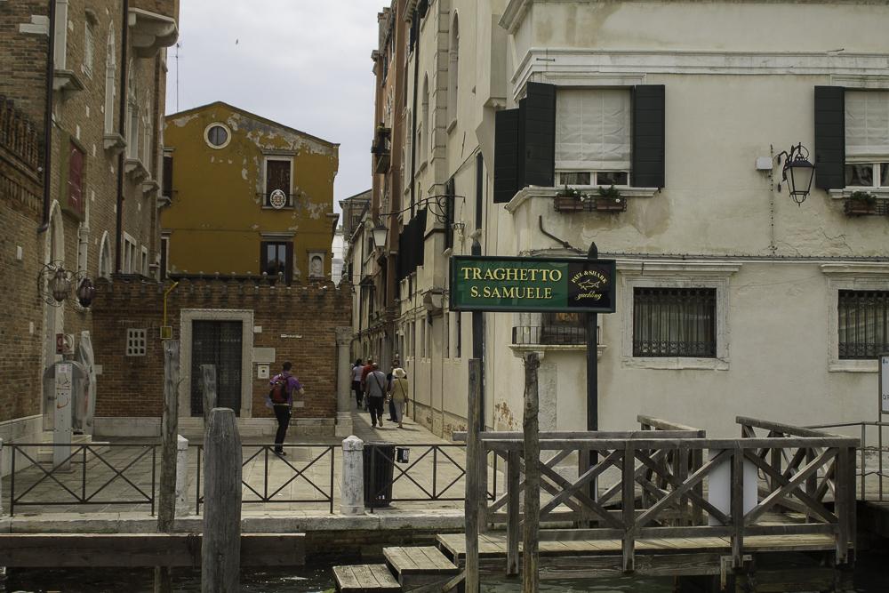 barcos em Veneza traghetto vaporetto