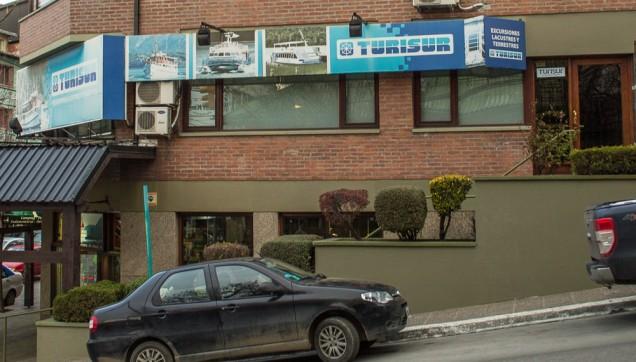 A fachada da Tursur, no Centro de Bariloche