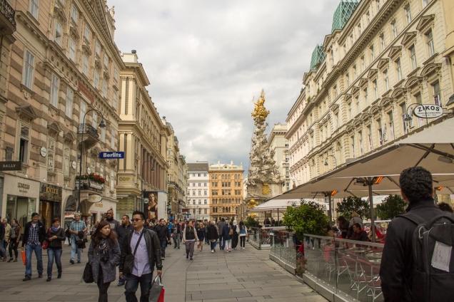 A Graber: rua turística de comércio e com edifícios belíssimos