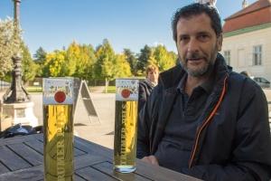 A cerveja fica ainda mais gostosa nos jardins do palácio Belvedere