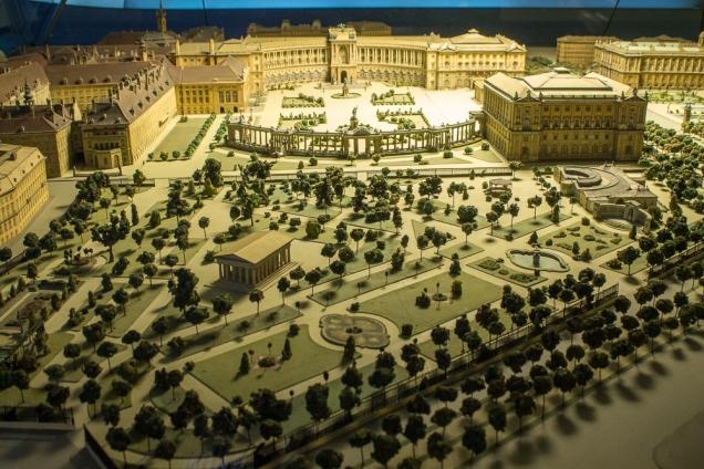 A maquete do complexo dos palácios e jardins