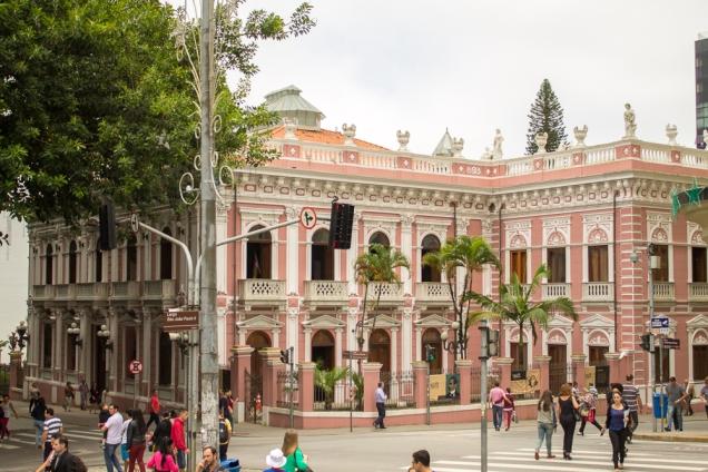 Palácio Cruz e Souza, no Centro