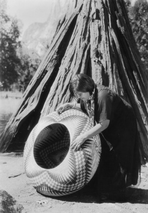 Yosemite-Indians-Lucy-Telles-And-Her-Basket-300-429-46[1]