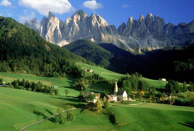 O cenário encantado das Dolomitas, em Funes