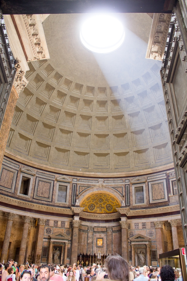 o Pantheon, no miolinho do centro