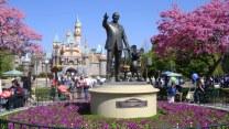 O primeiro parque da Disney fica em Anaheim