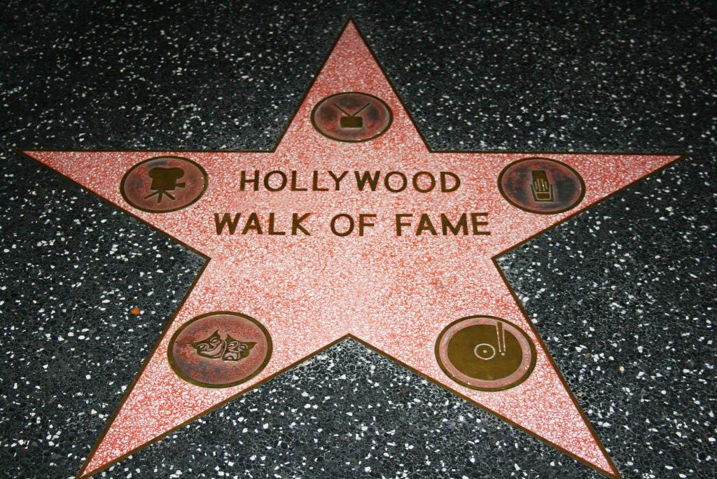 Como encontrar a estrela do ídolo na Calçada da Fama
