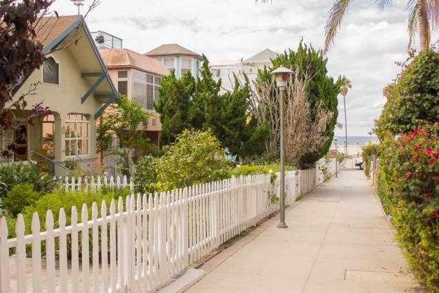 Rua residencial em Venice Beach