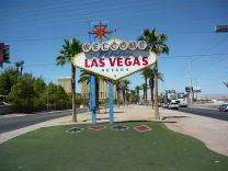 1280px-shield_at_the_entry_of_the_american_city_las_vegas