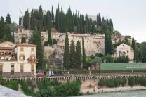 Alla destra, o Teatr romano