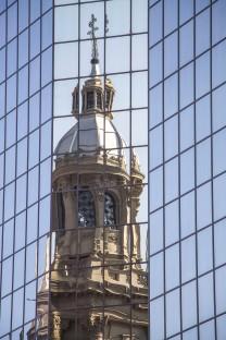 Torre da Catedral refletida
