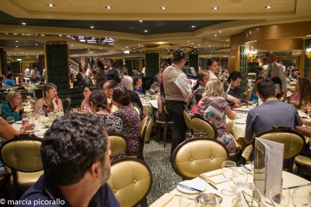 restaurantes no navio cruzeiro